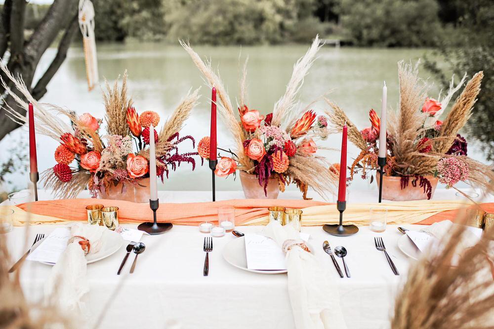 Autumn wedding table